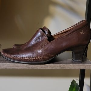 Pikolinos Brown Leather Heeled Loafer Size…
